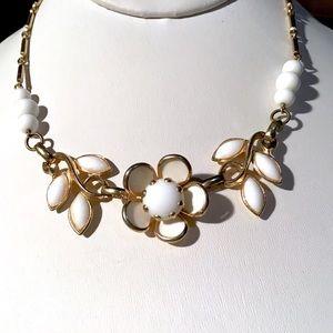 🎁Vintage German Flower Necklace